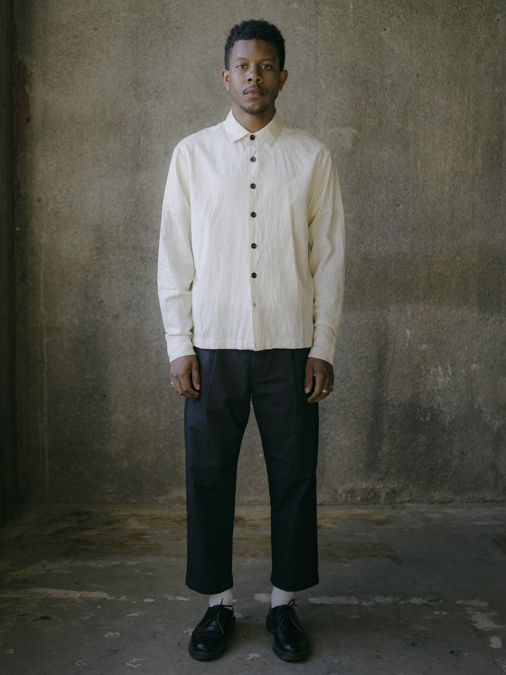 evan-kinori-flat-hem-shirt-cotton-linen-cambric