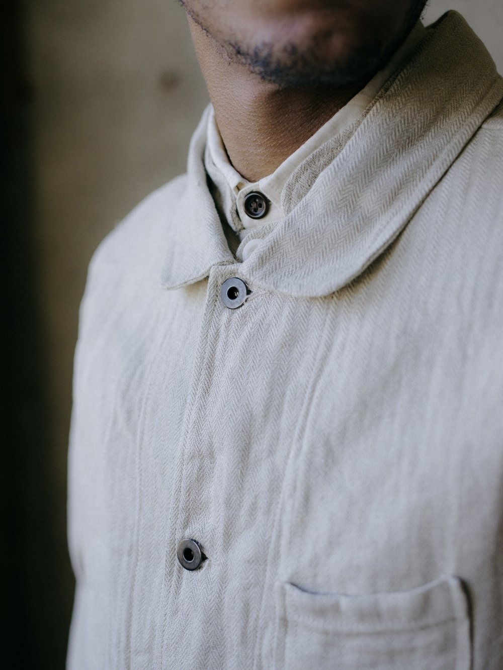 evan-kinori-three-pocket-jacket-natural-linen-herringbone-4