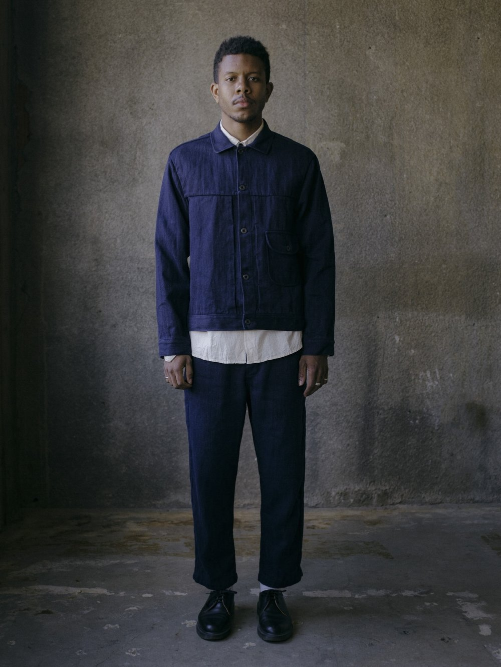 evan-kinori-pleated-jacket-french-blue-hemp-twill