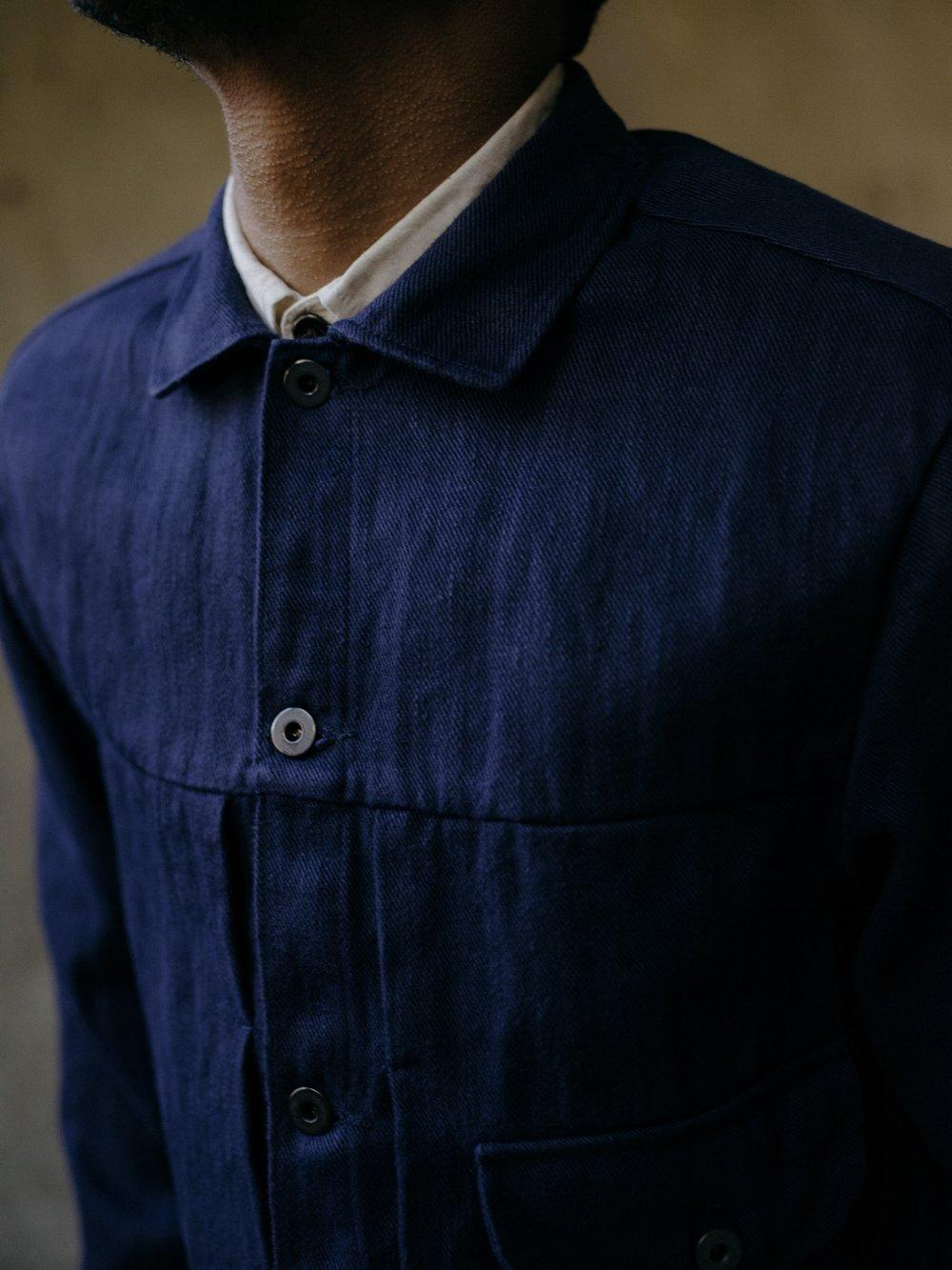 evan-kinori-pleated-jacket-french-blue-hemp-twill-2