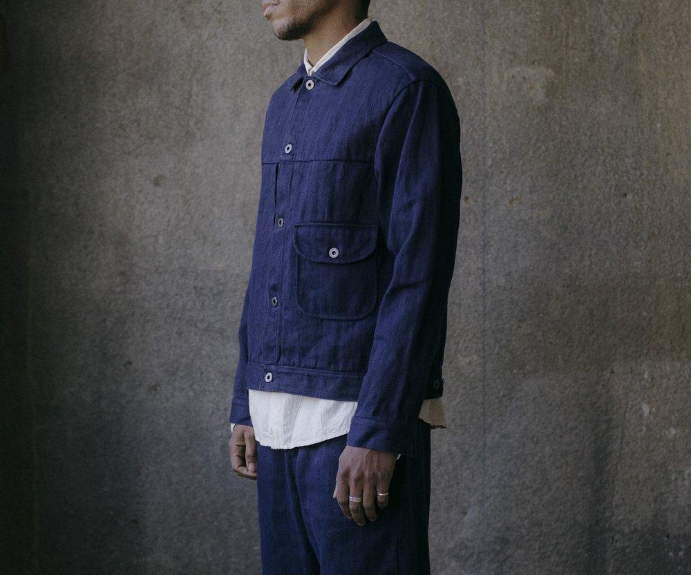 evan-kinori-pleated-jacket-french-blue-hemp-twill-3