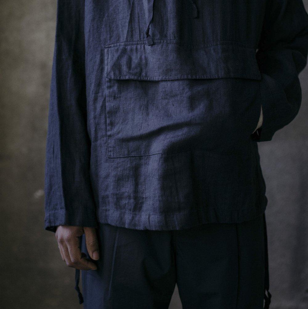evan-kinori-anorak-tumbled-black-linen-5