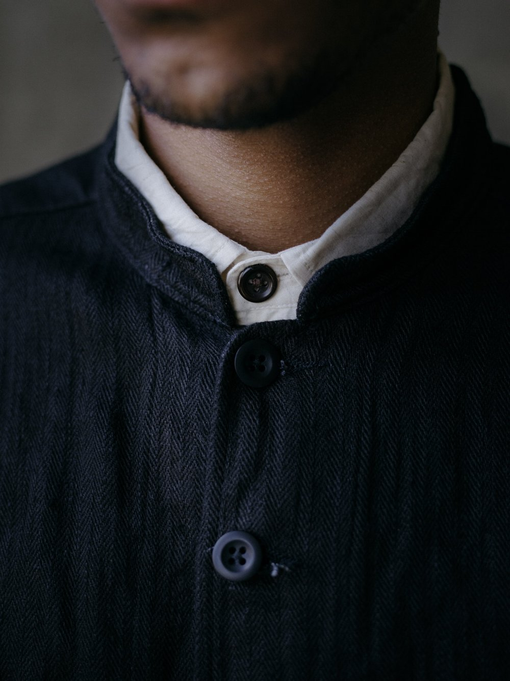 evan-kinori-french-field-shirt-black-hemp-herringbone-2