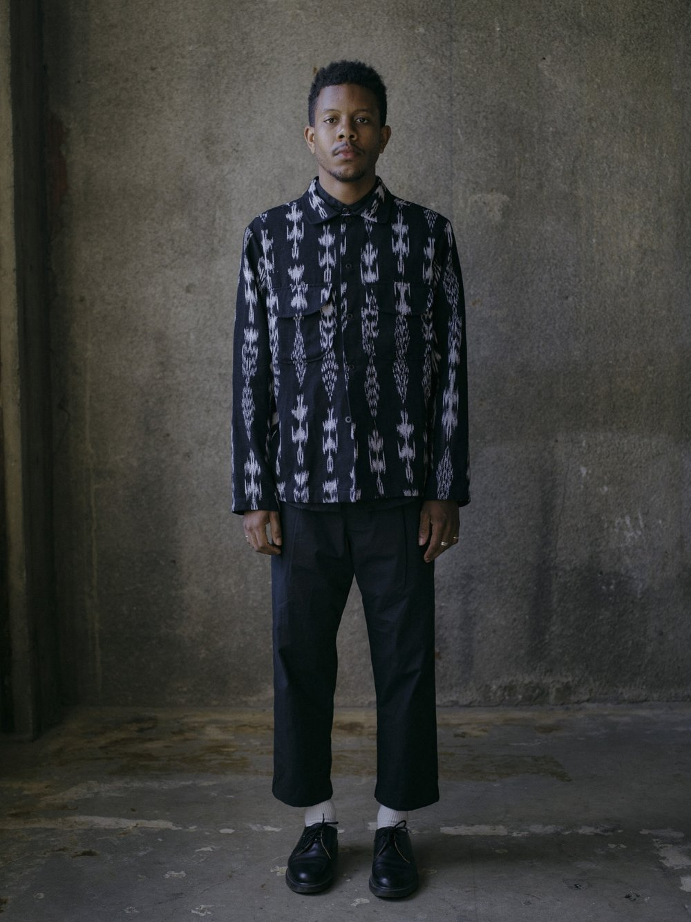 evan-kinori-field-shirt-black-ikat