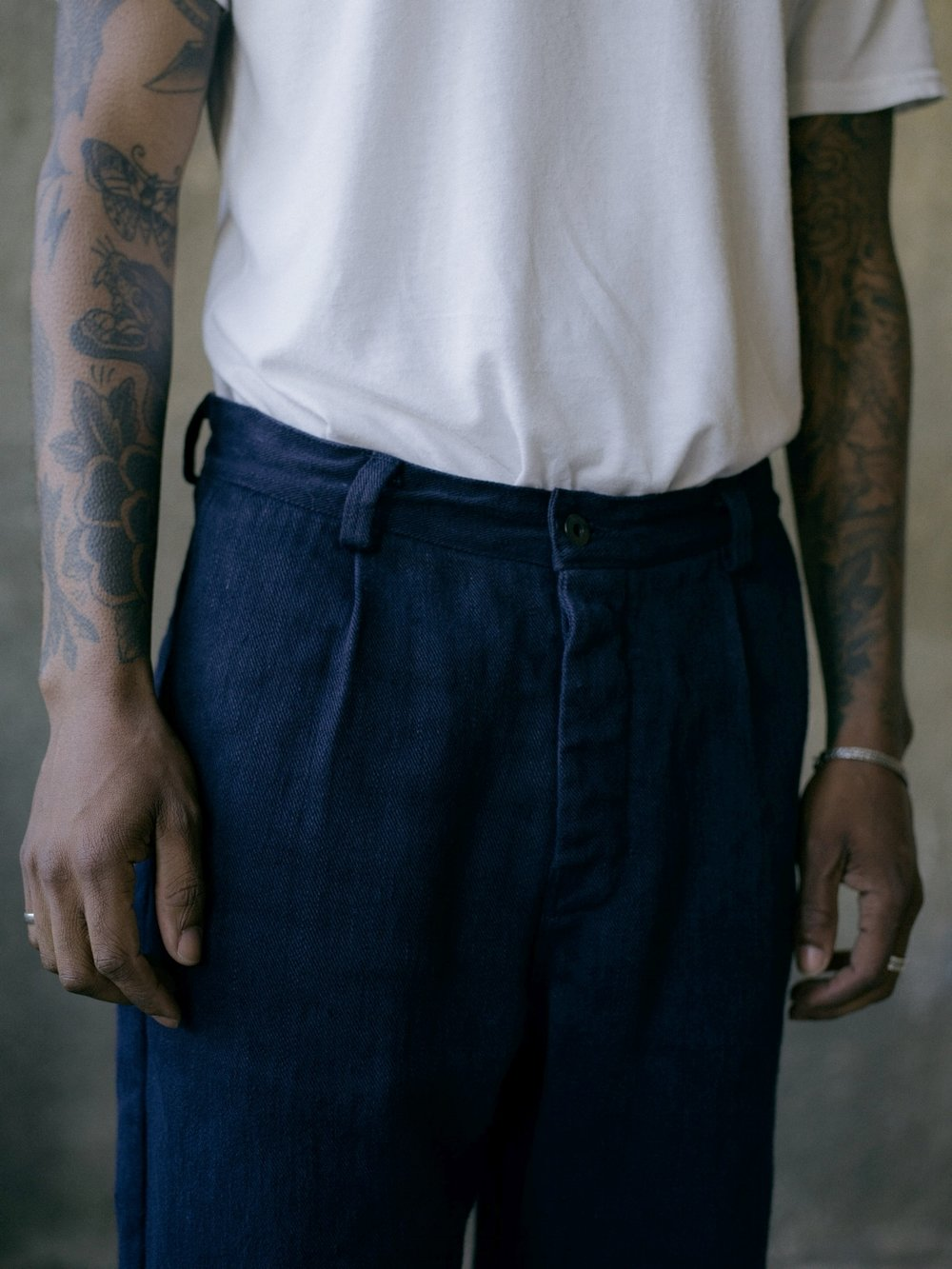 evan-kinori-single-pleat-pant-french-blue-hemp-twill-2