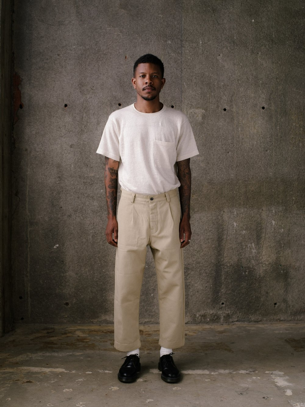 evan-kinori-single-pleat-pant-khaki-cotton-twill-2