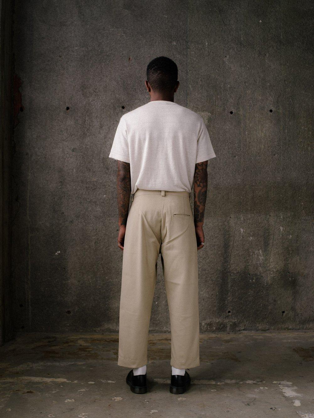 evan-kinori-single-pleat-pant-khaki-cotton-twill-5