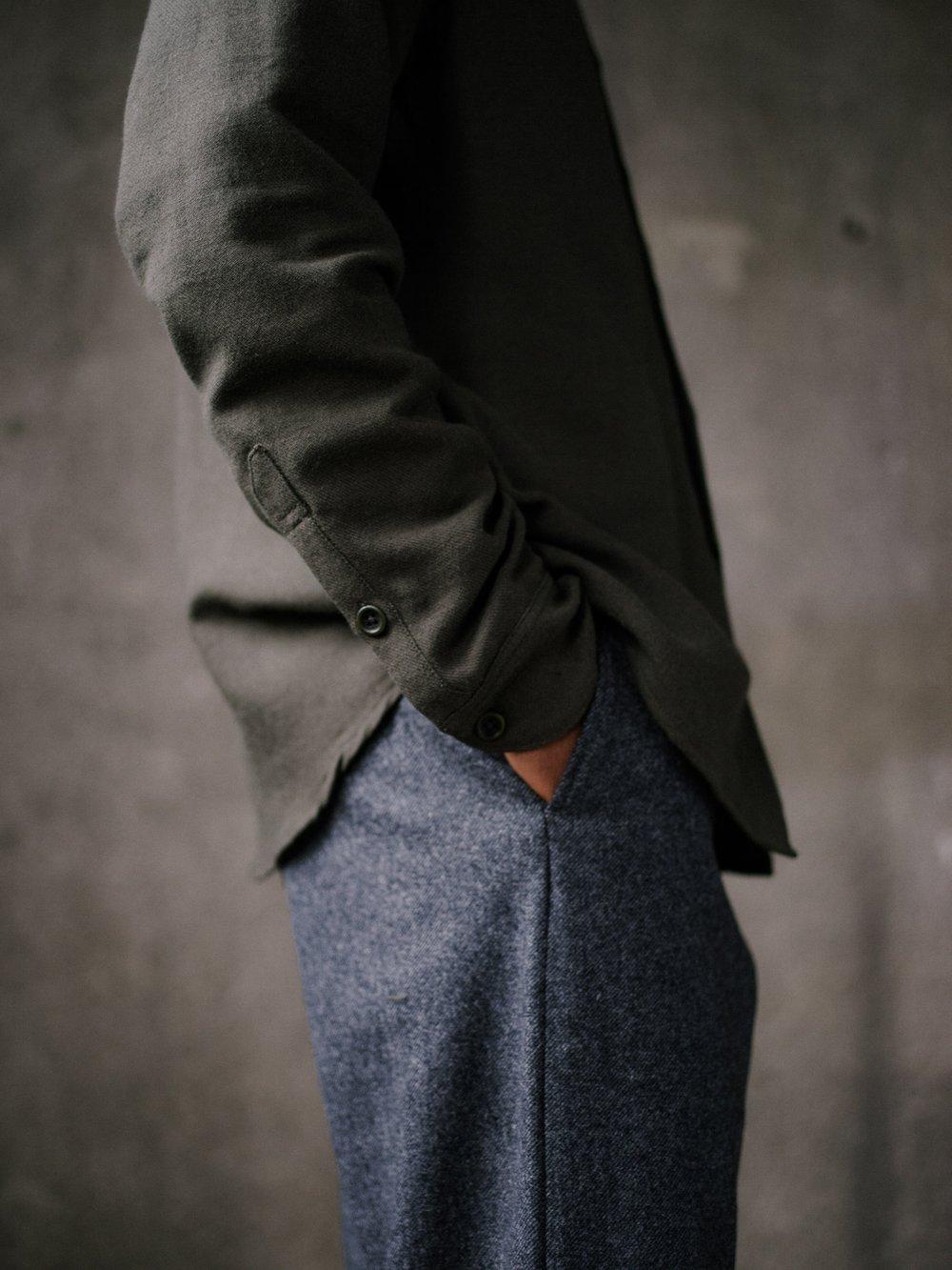 evan-kinori-band-collar-shirt-wool-cotton-linen-twill-1