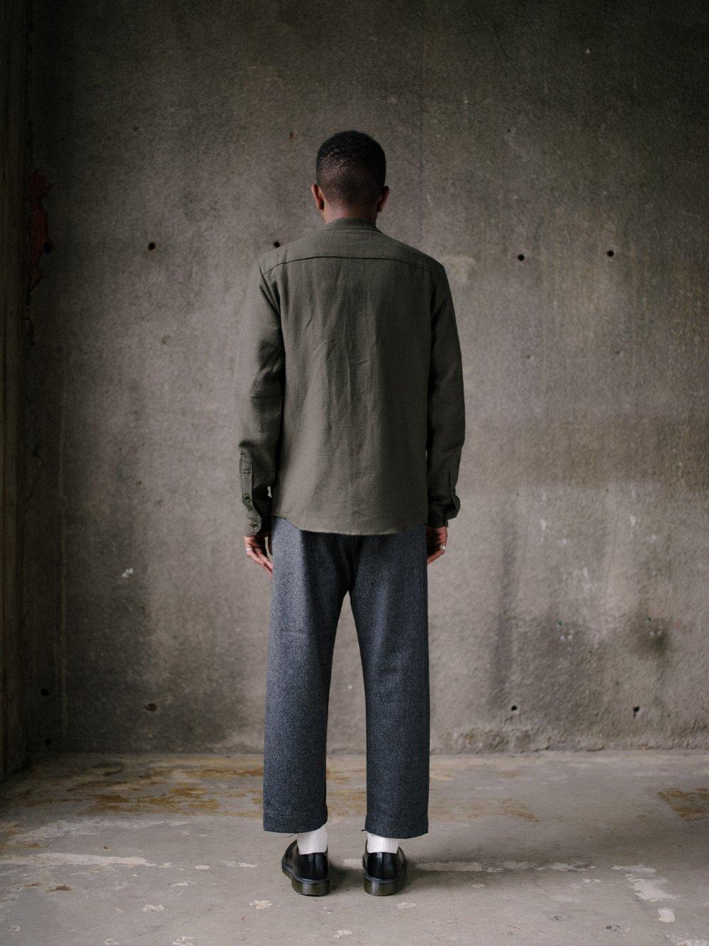 evan-kinori-band-collar-shirt-wool-cotton-linen-twill-4