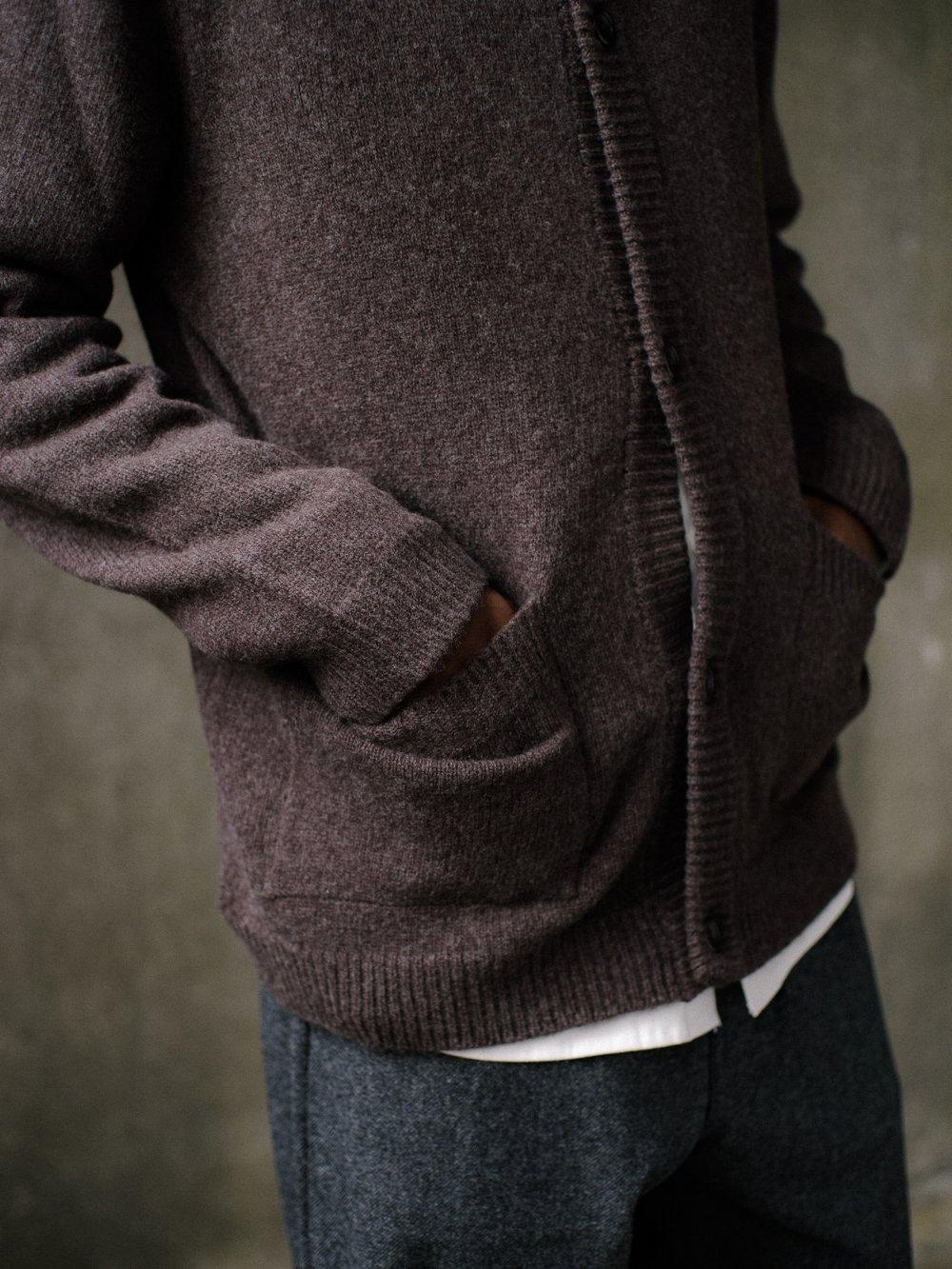 evan-kinori-cardigan-brown-4
