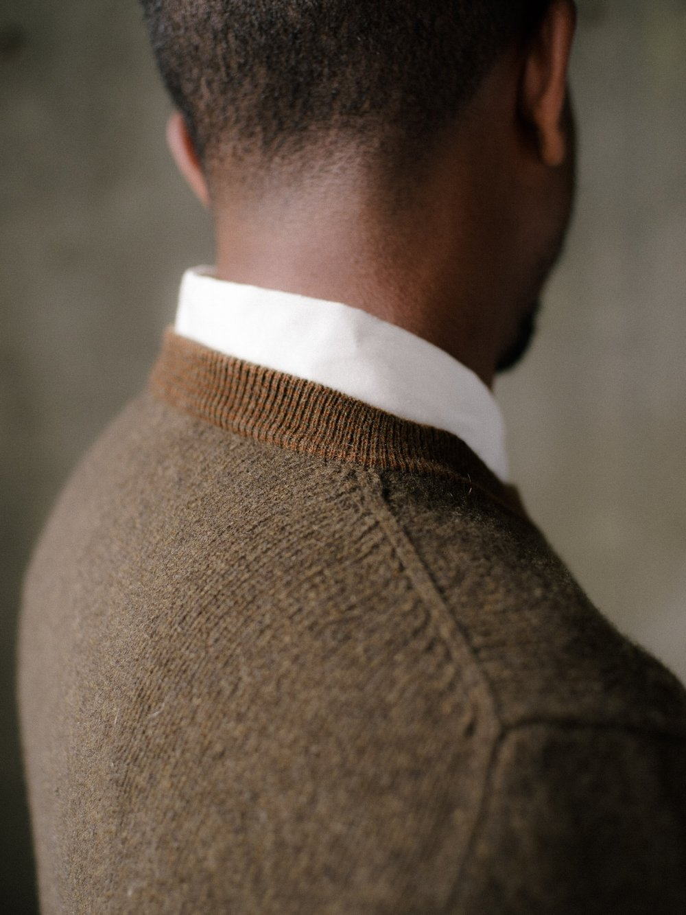 evan-kinori-stripe-collar-sweater-olive-1