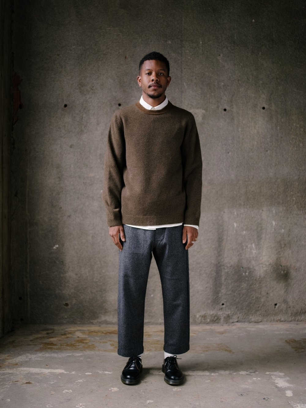 evan-kinori-stripe-collar-sweater-olive-2