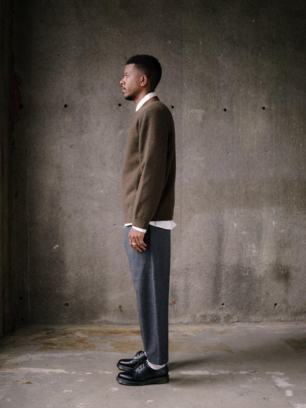 evan-kinori-stripe-collar-sweater-olive-3