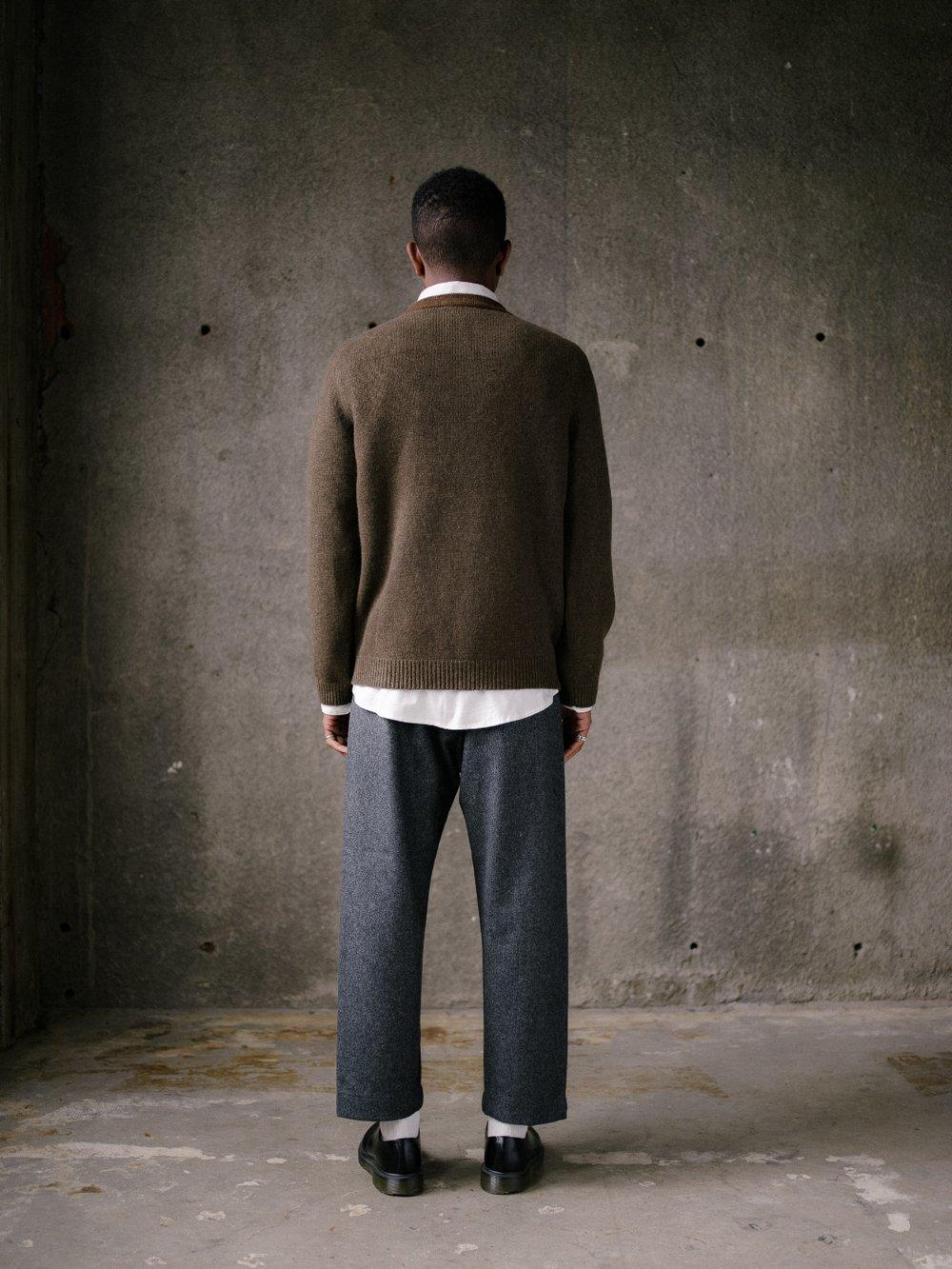 evan-kinori-stripe-collar-sweater-olive-4