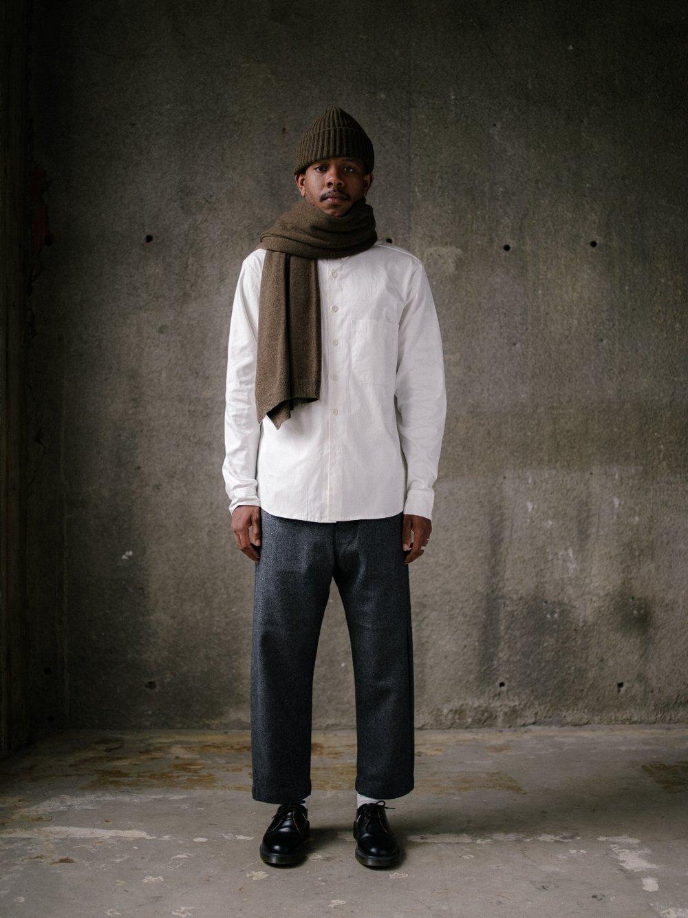 evan-kinori-knit-scarf-olive-1
