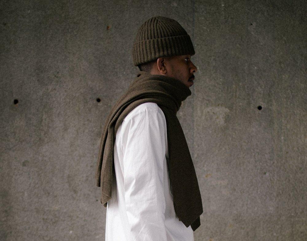 evan-kinori-knit-scarf-olive-2