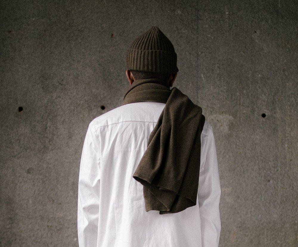 evan-kinori-knit-scarf-olive-3