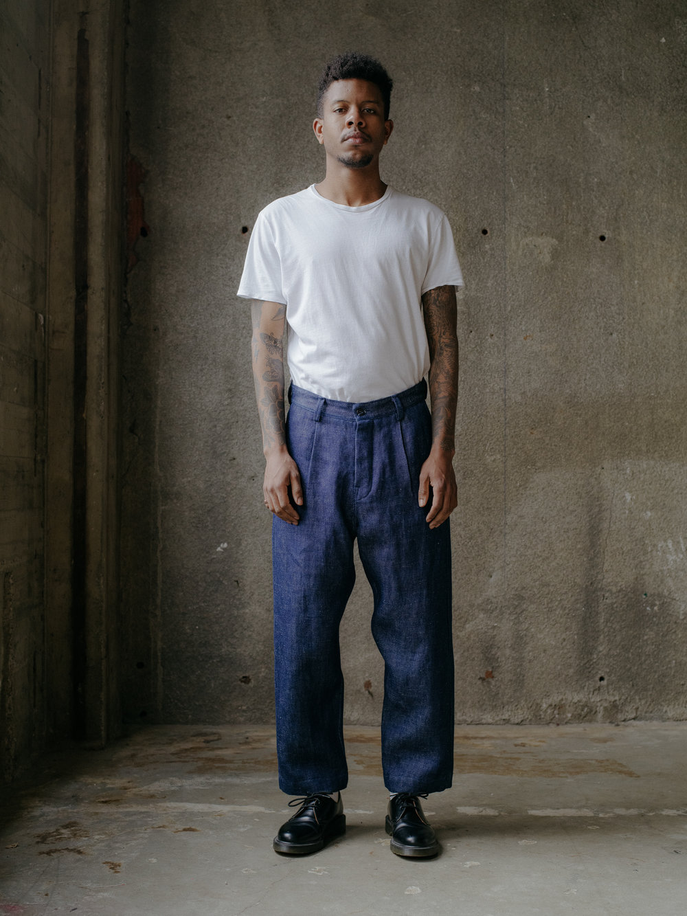 evan-kinori-single-pleat-pant-hemp-denim-1