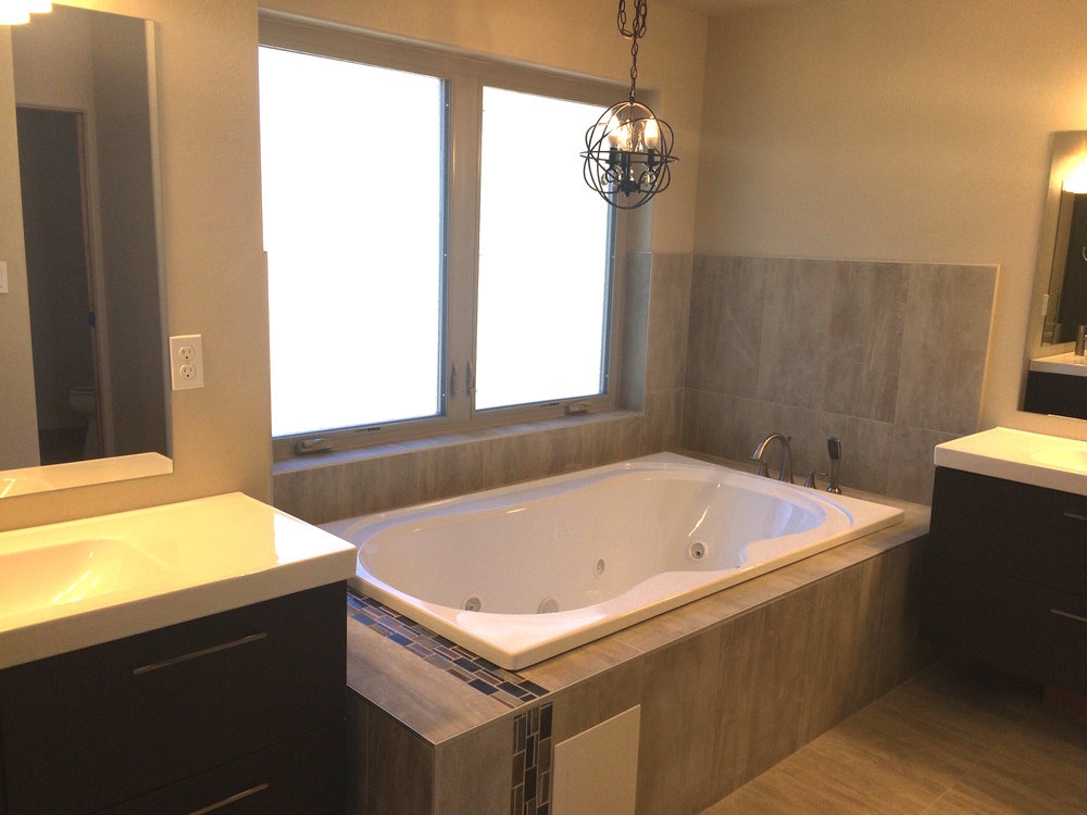 Main Level Master Bath