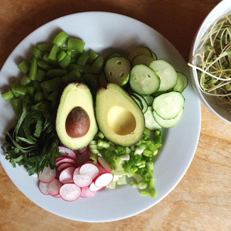 tuna bowl vegetables