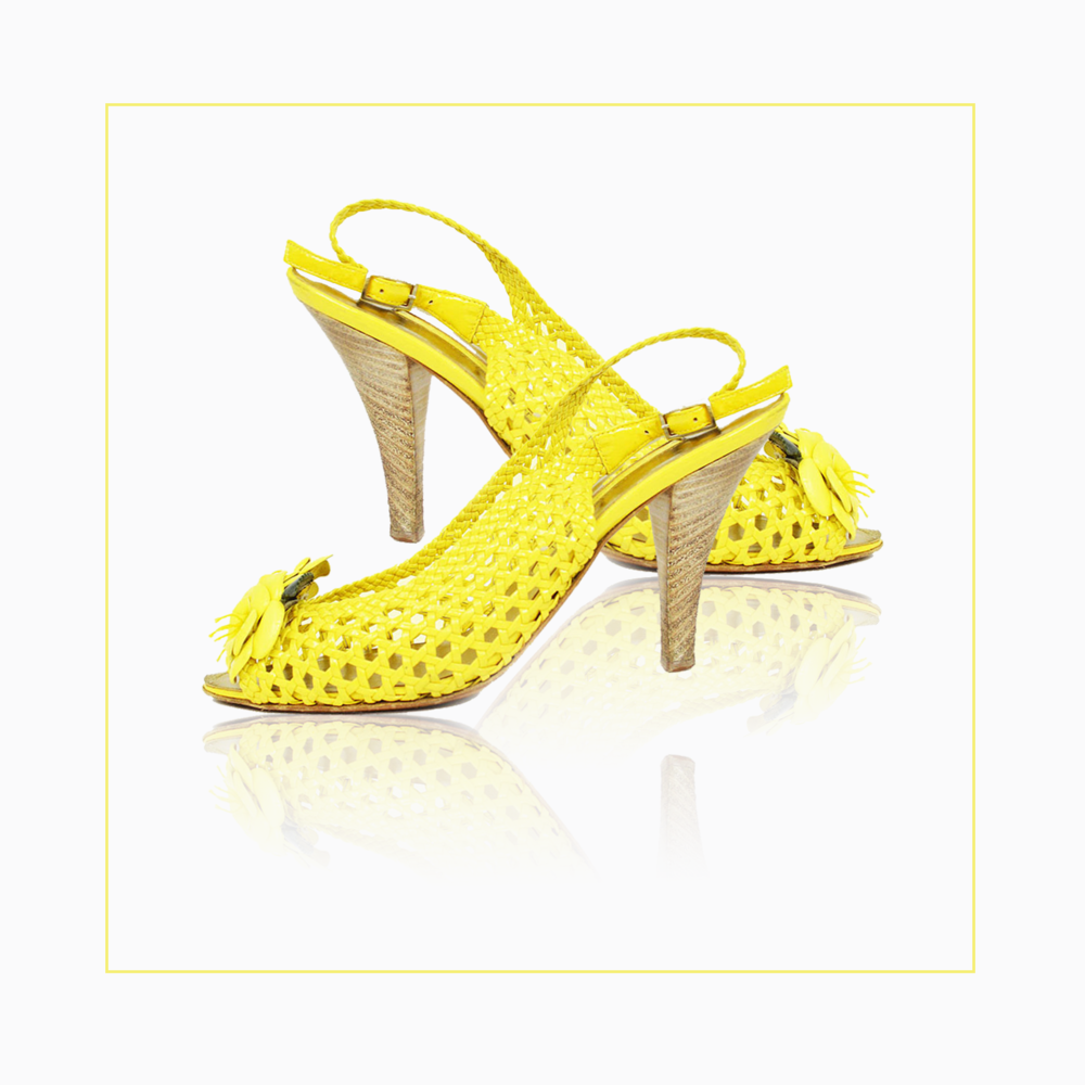 yellow shoes.png
