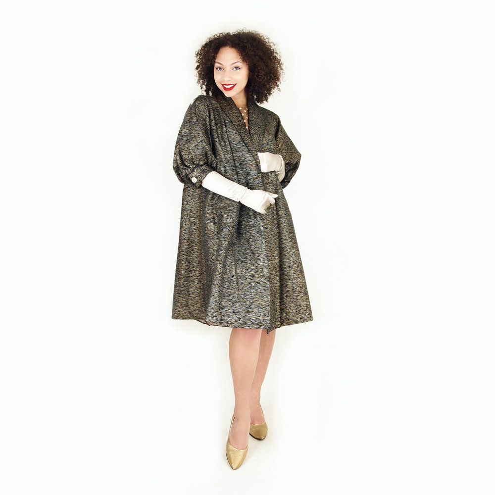 Early 60s Black, Gold, & Silver Swing Coat with Half-Length Full Sleeves S M