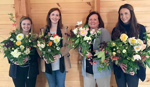 A Mom and her daughters in today's workshop at @weatherlow_farms. Beautiful family, beautiful flowers. #floraldesign #springblooms #localflowers
