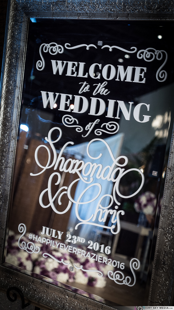 Welcome wedding mirror add such an elegant touch to this beautiful affair.
