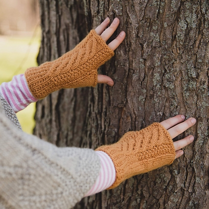 fisherman mitts by meg roke