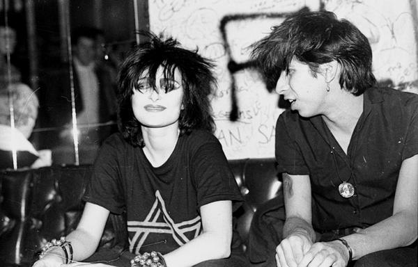 Siouxsie Sioux and Kid Congo Powers, photo by Debbie Schow