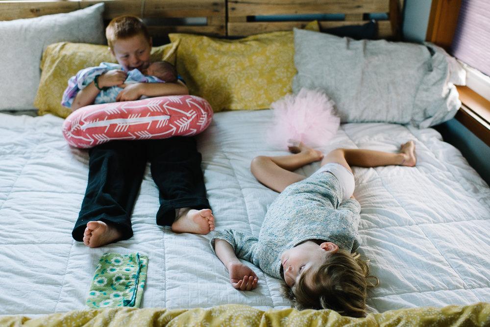 newborn-family-home-session-alaska_20.jpg