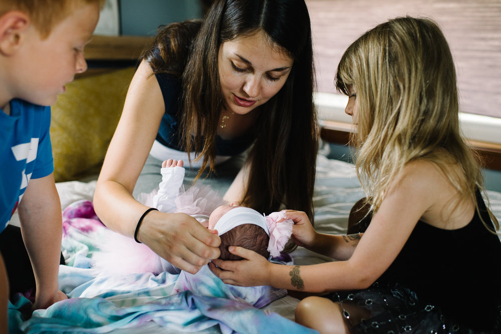 newborn-family-home-session-alaska_26.jpg