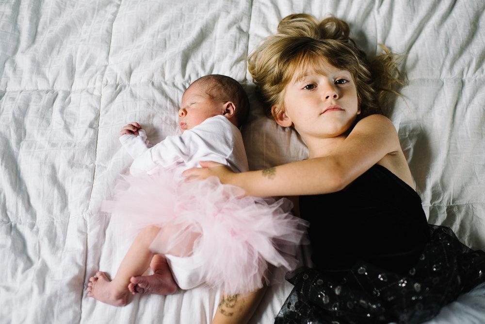newborn-family-home-session-alaska_28.jpg