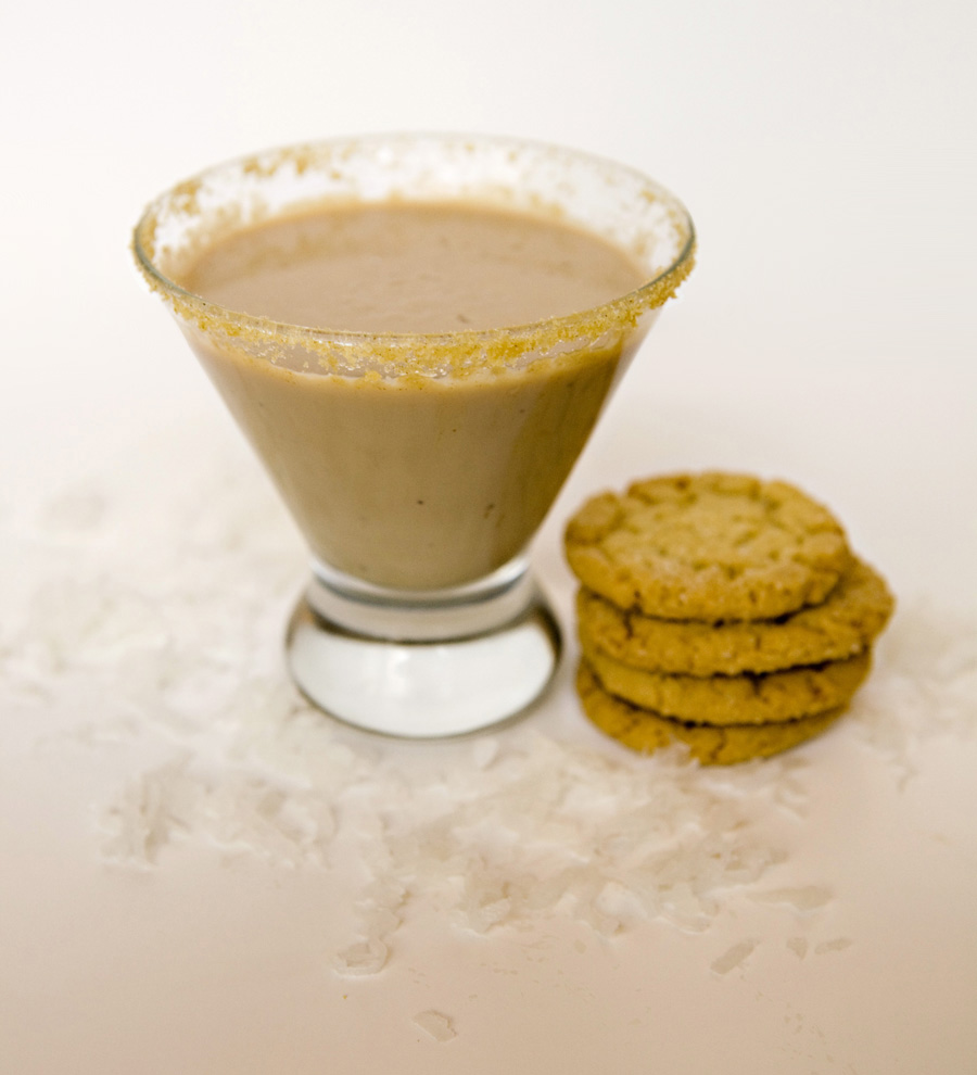 Sweetly Intoxicating: Christmas Cookie Cocktail Recipes