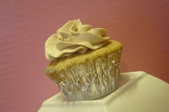 Chai tea cupcakes with pumpkin spice frosting