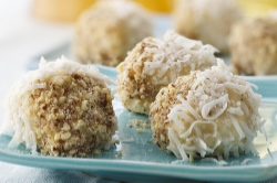 Coconut almond doughnut pop-ems