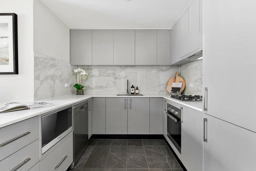 8.Kitchenl.jpg