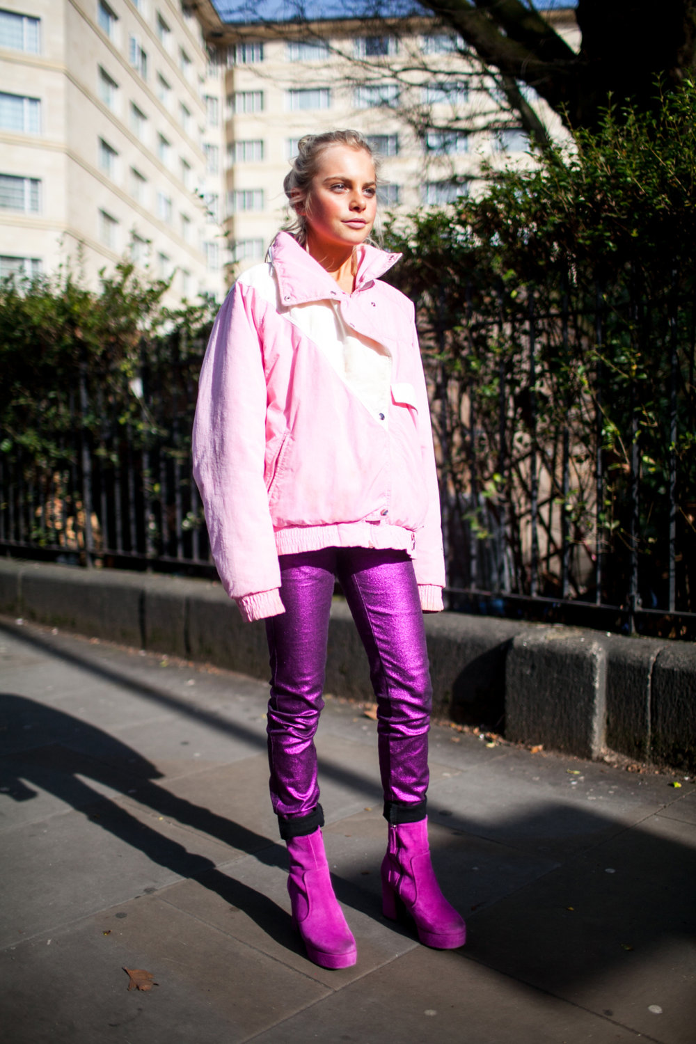 pink-trend-lfw-aw17-street-style-london-fashion-week-photos-05.jpg