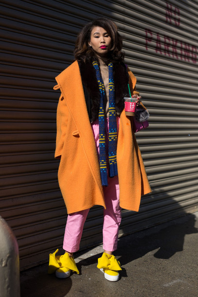 8ivmc7-l-610x610-coat-nyfw+2017-fashion+week+2017-fashion+week-streetstyle-orange-orange+coat-oversized-oversized+coat-scarf-striped+scarf-pants-pink+pants-shoes-yellow-bow+shoes-slip+shoes.jpg