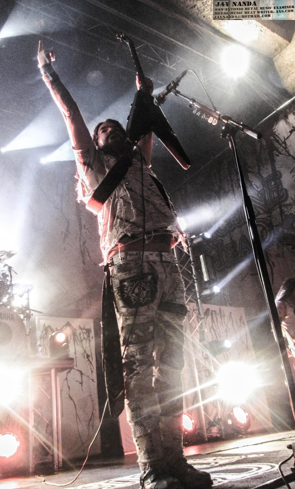 Band founder, singer and guitarist Robb Flynn plays to the crowd.