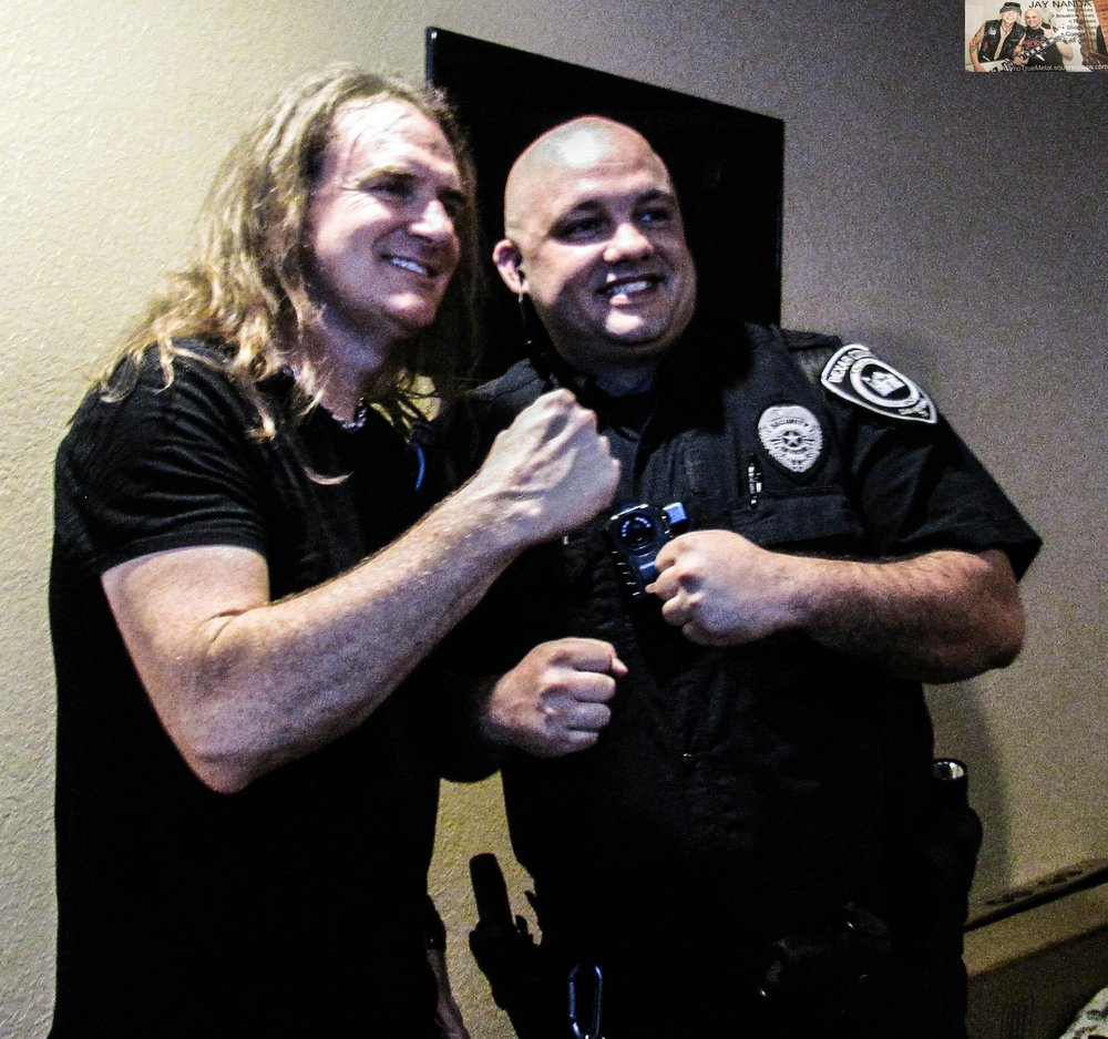 Even a member of the San Antonio Police Department couldn't help but get swept up in Ellefson's visit.