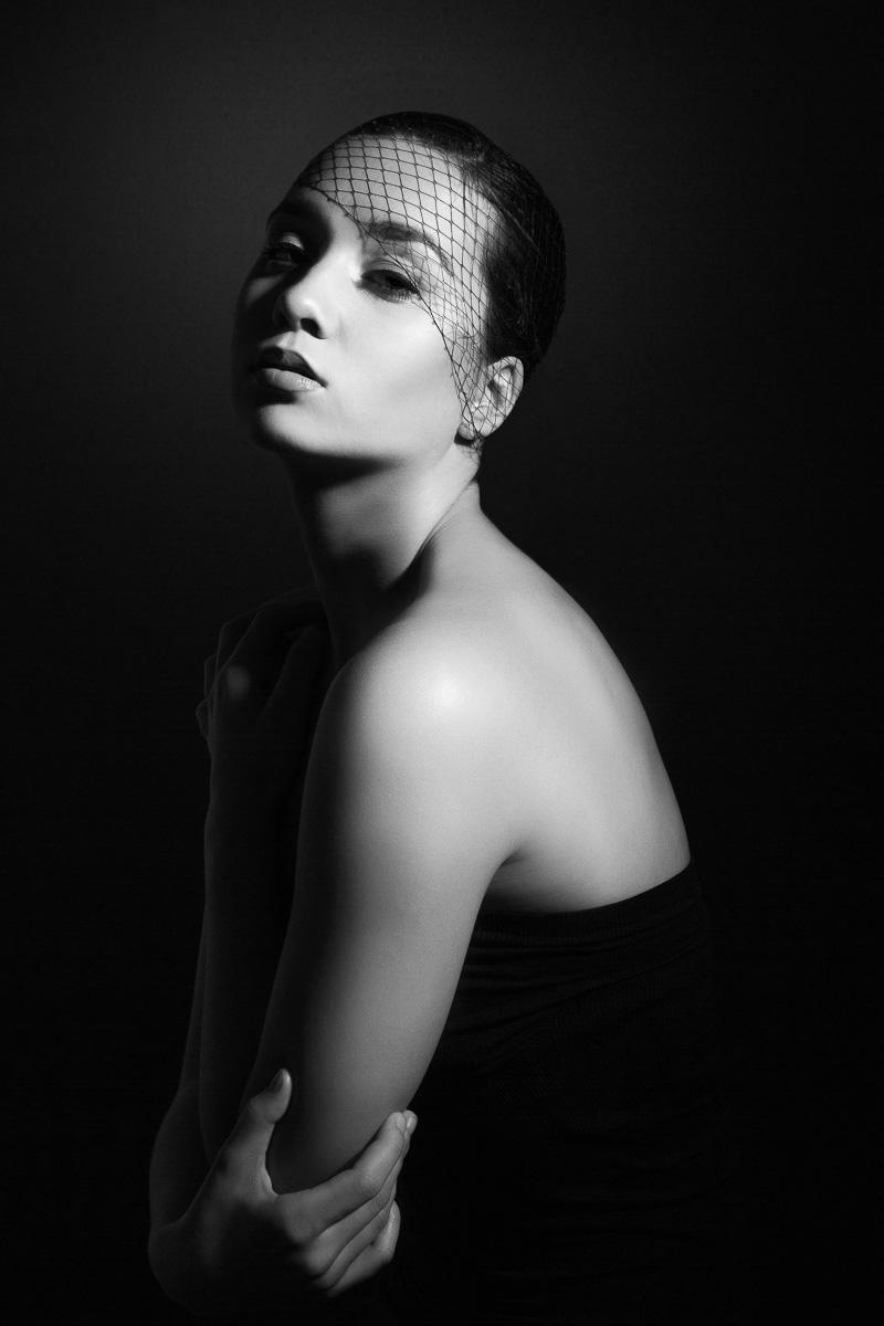 Black and White Fashion -2  - Analia Paino Portrait Photographer.jpg