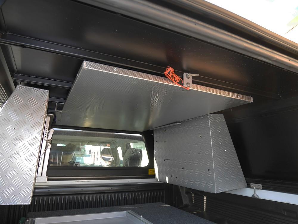 Alu-Cab Hardtop Explorer 3 1028 Ford Ranger.JPG