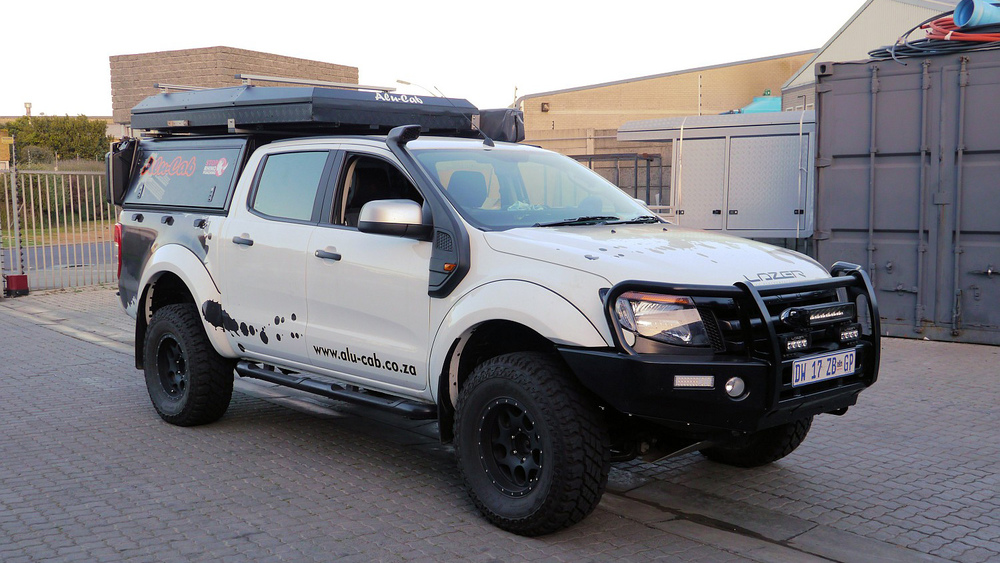 Alu-Cab Dachzelt Expedition 3 230 Ford Ranger.JPG