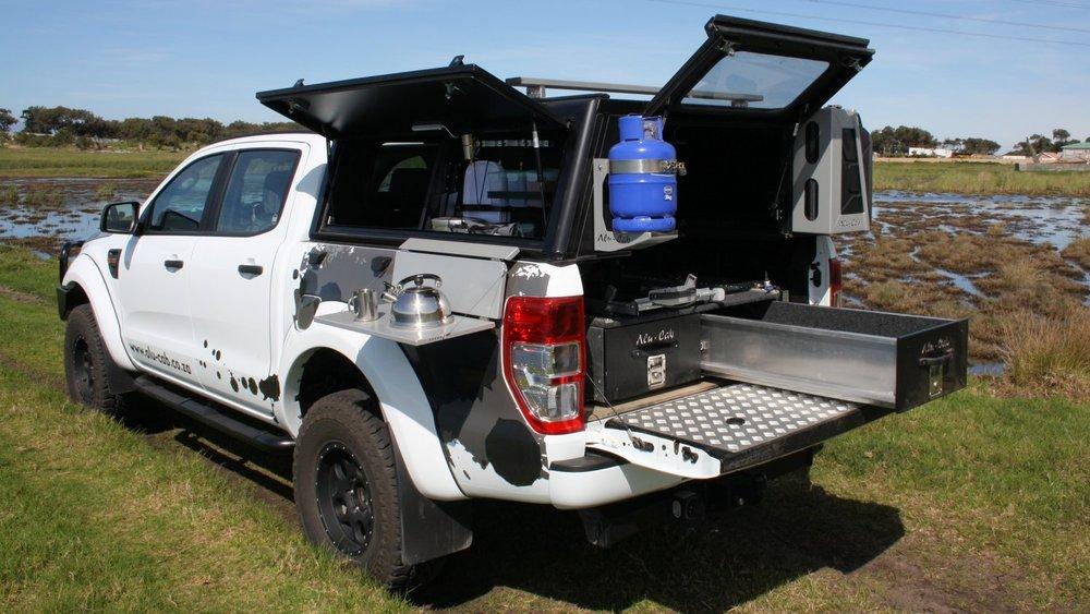 Alu-Cab Hardtop Explorer 3 0211 Ford Ranger.JPG