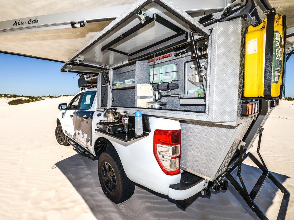 Alu-Cab Camper Khaya 0118 Atlantis Dunes.jpg