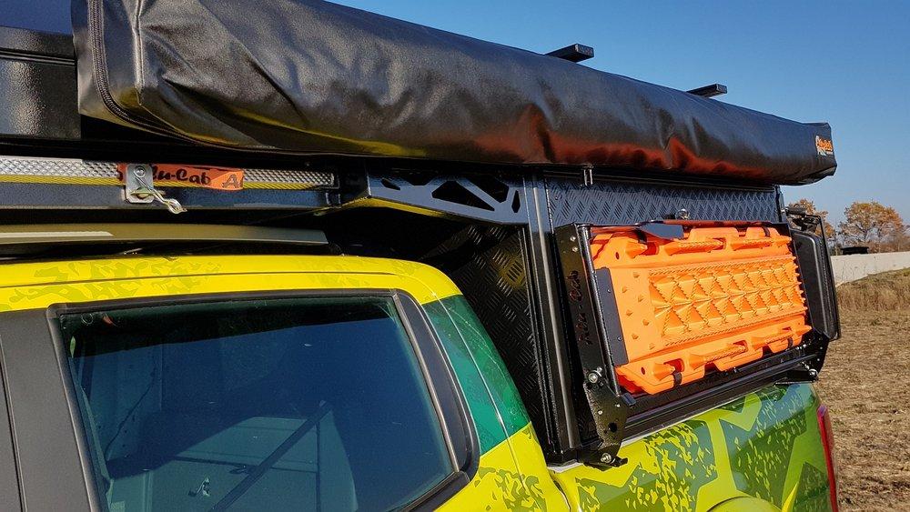Alu-Cab Canopy Camper Ford Ranger 117.jpg