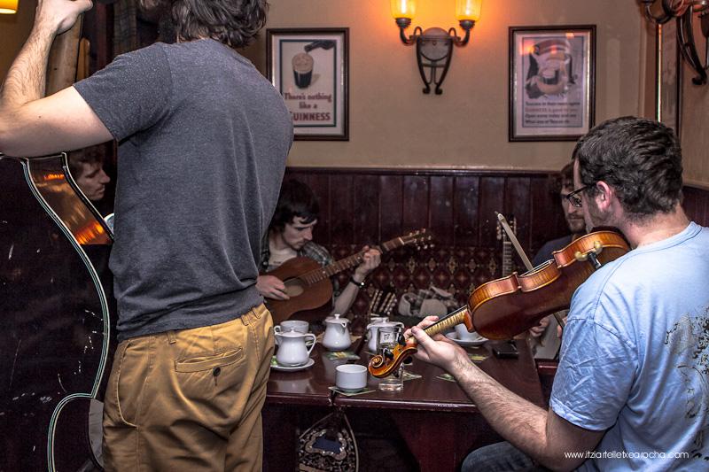 Music_Session_Ye Vagabonds_Walsh's Dublin Jan 2015-0421.jpg