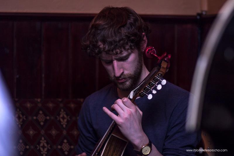 Music_Session_Ye Vagabonds_Walsh's Dublin Jan 2015-0455.jpg