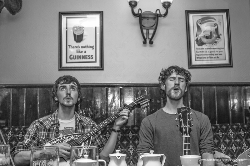 Music_Session_Ye Vagabonds_Walsh's Dublin Jan 2015-0435.jpg
